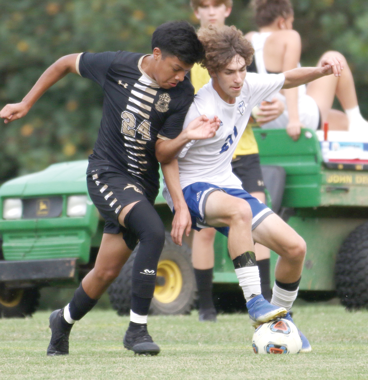 Panthers upend Cougars, 4-1