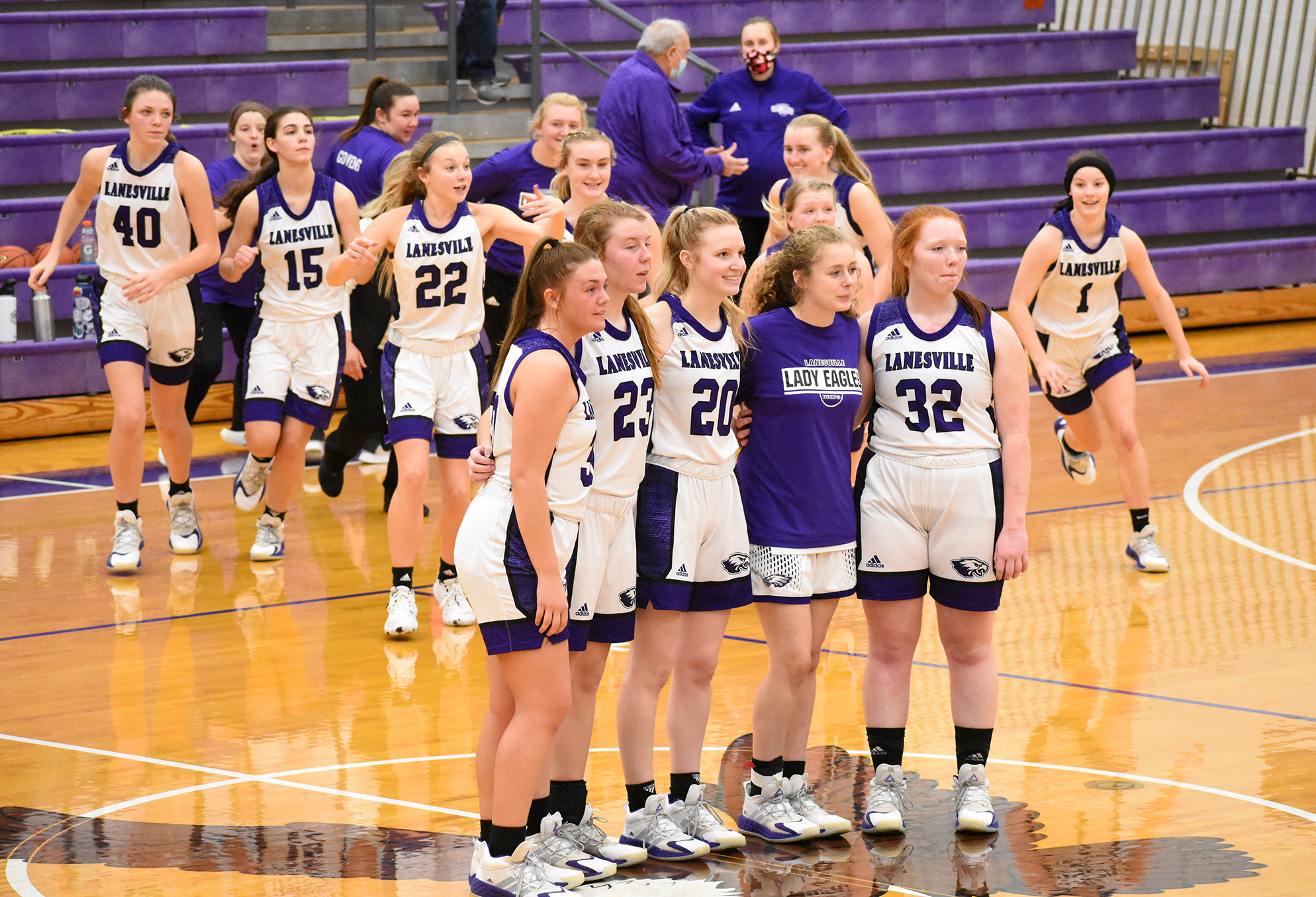 Lady Eagles finish strong over Scottsburg